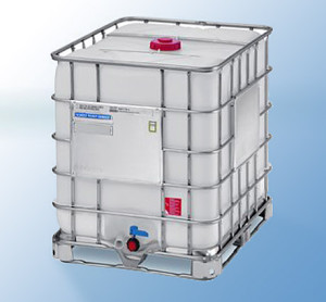 IBC Container on Metal Pallet